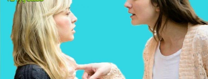 وقتی از دست خواهر شوهر کلافه می شویم، چه کنیم؟