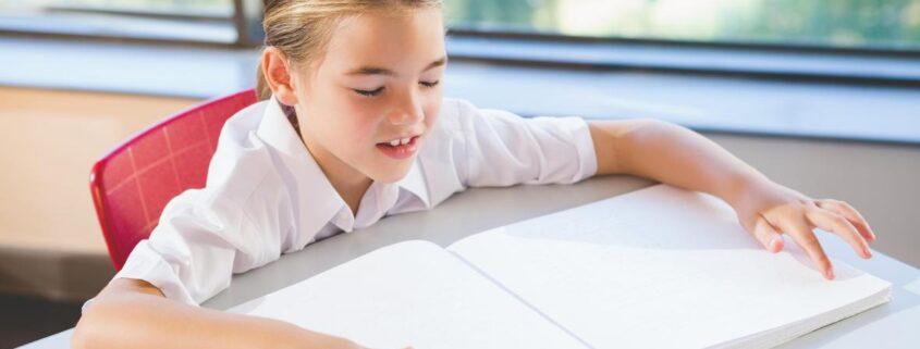 ویژگی های رشدی کودکان نابینا