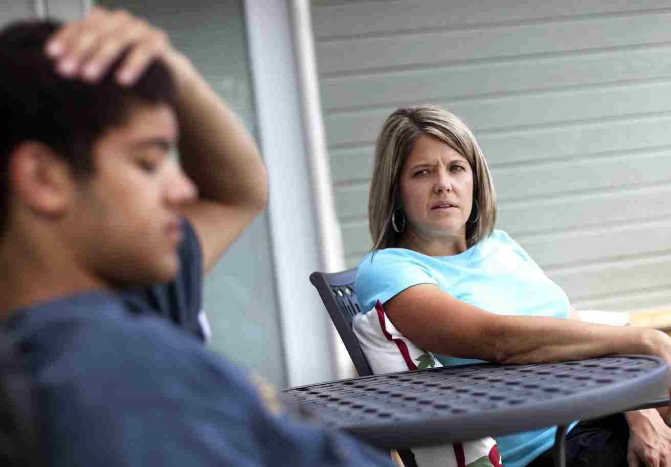 علائم نگرانی نوجوان