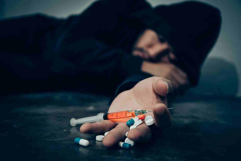 علائم اعتیاد به مواد مخدر